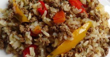 Arroz Caipira - Sai do tradicional e faça essa receita deliciosa que preparamos para você. Arroz caipira é supergostoso e fácil de fazer